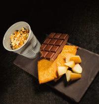 Crumble de poire, éclats de petits beurres et chocolat