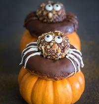 Donuts vegan à la courge pour Halloween