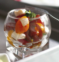 "The duo """"cherry tomatoes-mozzarella"""""
