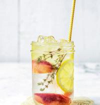 Peach-lemon Detox water
