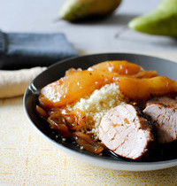 Pork tenderloin with pears and honey