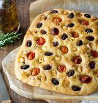 Focaccia aux tomates cerises, olives & feta (recette sans robot)