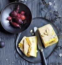 Foie gras aux abricots moelleux et pistaches