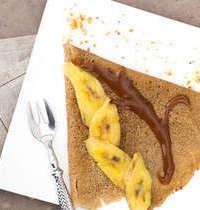Galettes de blé noir aux bananes, crème caramel au beurre salé