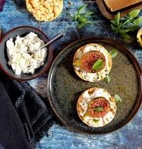 Galettes de maïs aux figues rôties et fromage frais