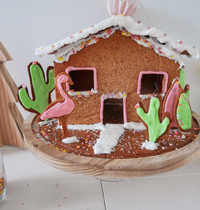 GINGERBREAD HOUSE BY JULYHEALTYCOOKING