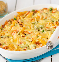 Macaroni cheese with ham and broccoli