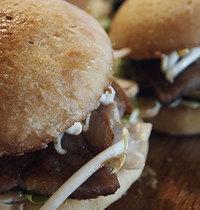 Hamburger d'echine de porc marinée