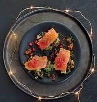 La recette de Vanessa : coeur de saumon fumé d'Ecosse en sashimi. Tartare d'algues et caramel de pamplemousse