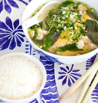 La soupe citronnée au poulet de Kirita du Cambodge