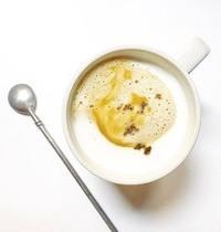 Coconut latte macchiato