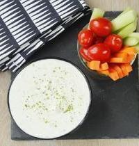 Legumes en dip et sauce au fromage blanc ail persil