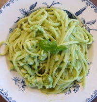 Linguine au pesto d'avocat
