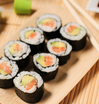 Makis (salmon and avocado)