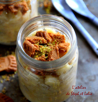 No-bake apple and banana crumble with pistachio and speculoos cookies