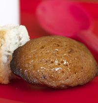 Mini-hazelnut madeleines