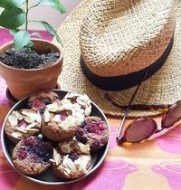 Muffins fondants à la noix de coco et fruits rouges [sans sucre ajouté et sans beurre]