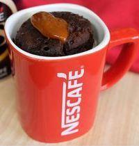 Mug cake au café, coeur coulant caramel