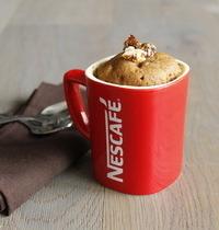 Mugs cake au café aux noisettes caramélisées