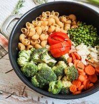 One Pot Pasta Légumes d'Automne & Chèvre Sec