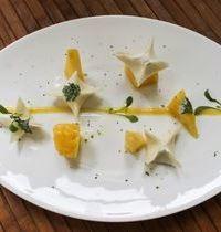 Origami de coco vapeur et fruits exotiques