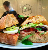 Pan Bagnat' (Niçoise tuna sandwich)