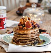Pancakes & caramel aux fruits secs par La Guinguette d'Angèle