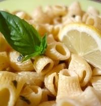Pasta with lemon and basil