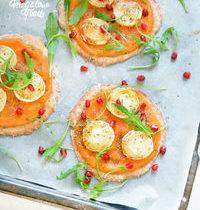 Pizzettas express à la courge butternut, chèvre, miel d'acacia aux truffes et herbes de Provence – IG bas