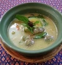 Poulet au curry vert et à la noix de coco | kaeng khiaw waan gai
