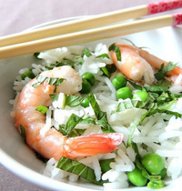 One-rice-bowl with shrimp and peas