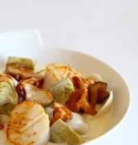 Scallops with cockles, cep (porcini) and golden chanterelle mushrooms