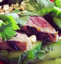 Salade de bœuf thaï chia & cajou grillée