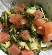 Salade de courgettes, saumon fumé,avocat