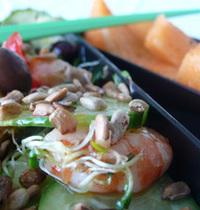 Salade de crevettes roses bento