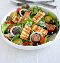 Salade de jeunes pousses & GRILLIS au barbecue