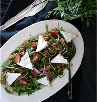 Salade de Pâtes aux Asperges & à la Roquette, Toasts de Chèvre Frais