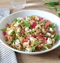 Salade printanière de quinoa aux pickles maison