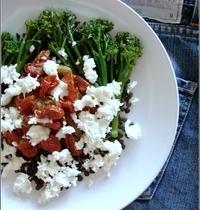 Salade Tiède de Lentilles Vertes, Broccolinis, Tomates Cerises Rôties & Mozzarella
