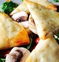 Beef, bell pepper and curry samosas