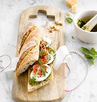 Sandwich Caprese Tomate, Mozzarella & Pesto