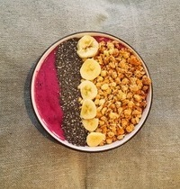 Smoothie Bowl au fruits rouges