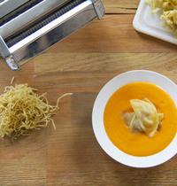 Soupe Butternut, Lait de coco, curry et ravioles de foie gras