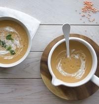Soupe de lentilles corail, lait de coco & curry