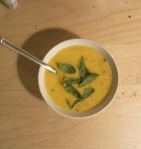 Soupe de panais et carottes au citron et basilic