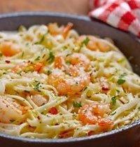 Spaghettis aux crevettes, à l'ail et au beurre