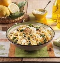 Tagliolini à la ricotta, aux épinards, noix et citron