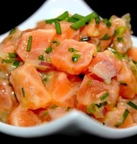 Marinated salmon tartare
