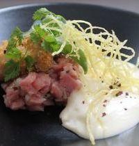Tartare de veau et d'huître, émulsion de pomme de terre au beurre salé