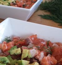Salmon tartare with avocado (2)